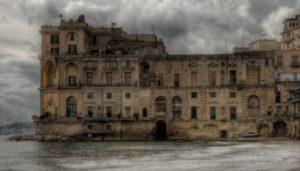 palazzo_dei_fantasmi_napoli_by_lmmphotos-d7m0vvp